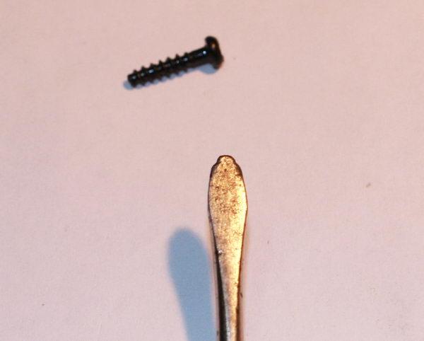 screwdriver screw triangular asterisk